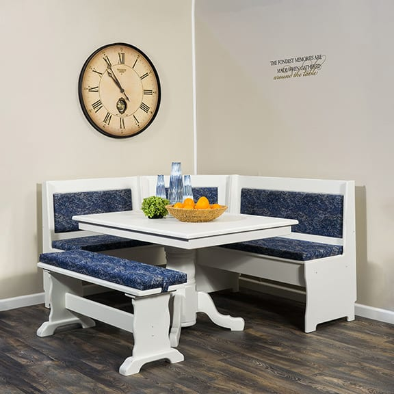 Traditional-Dining-Nook–Upholstered